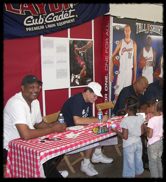 Elmore at the Cleveland County Fair with former Cavaliers players