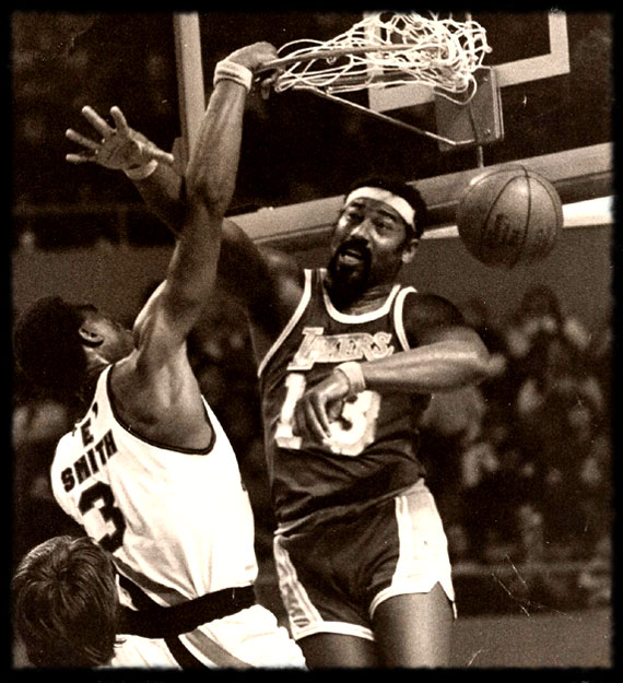Elmore Smith vs. Wilt Chamberlain